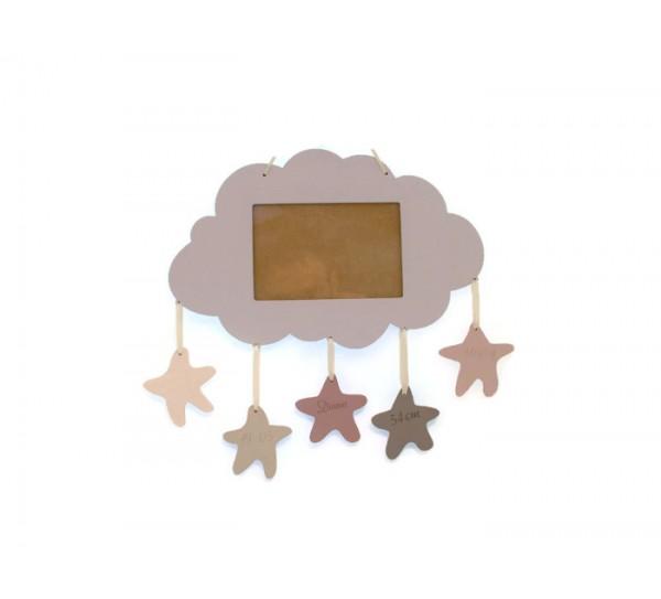 Újszülött ajándék, felhőn fekvő kis angyal fényképkeret, gravírozott adatokkal